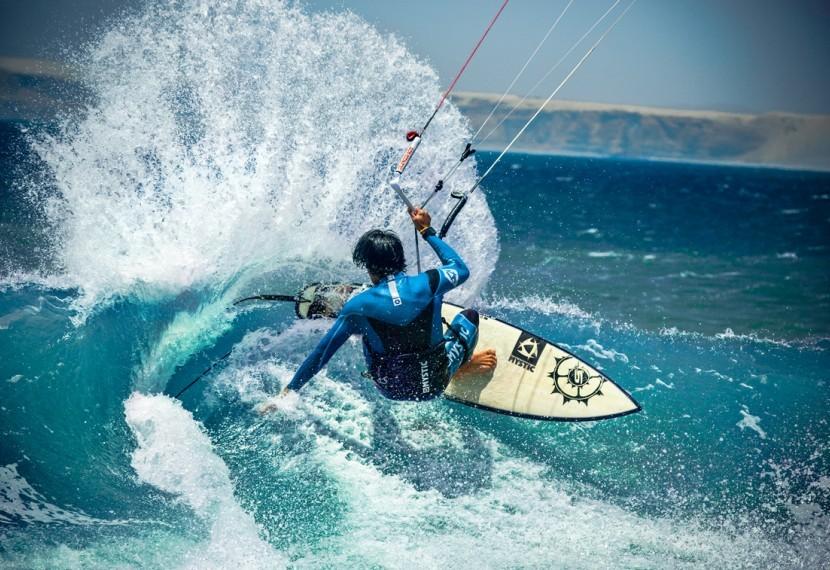 Co zrobić by zostać kitesurferem ? Od czego zacząć swoją przygodę z kitesurfingiem ?