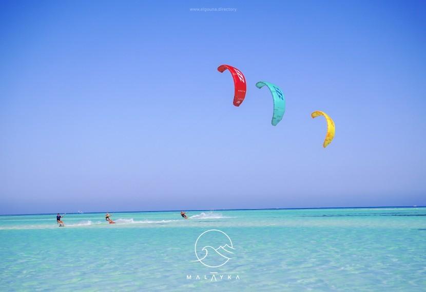 Ile potrzebujesz latawców, żeby rozpocząć przygodę z kitesurfingiem?