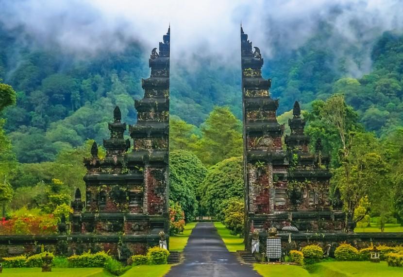 7 powodów dla których warto odwiedzić Indonezję z latawcem.